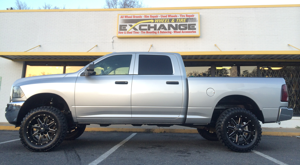 Wheel Amp Tire Exchange Leveled Dodge Truck